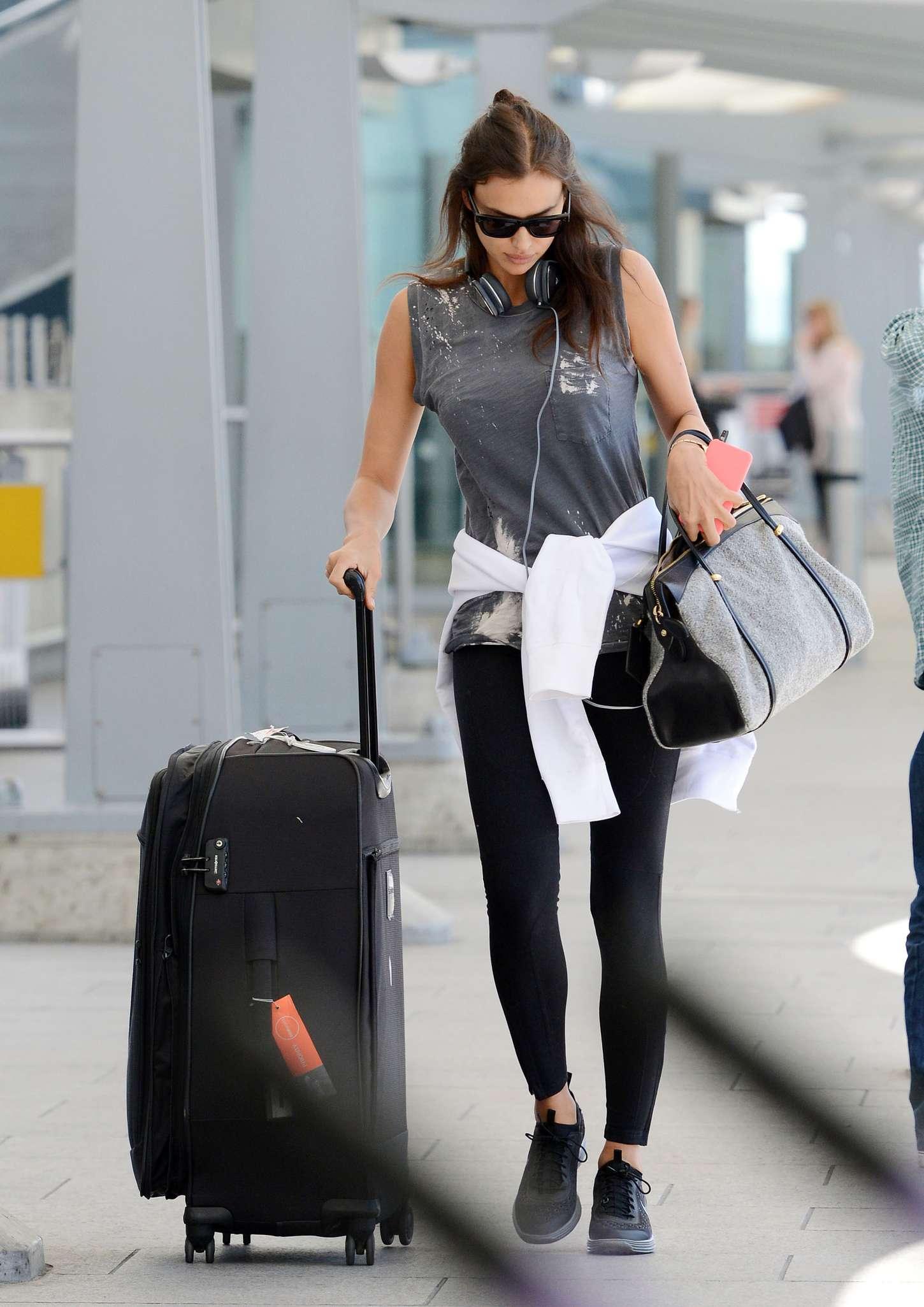 Irina Shayk 2015 : Irina Shayk in Leggings at Heathrow airport -12
