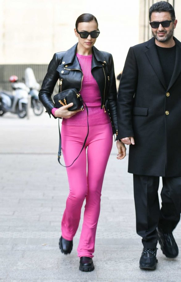 Irina Shayk arriving at Versace Fashion Show during Milan Fashion Week