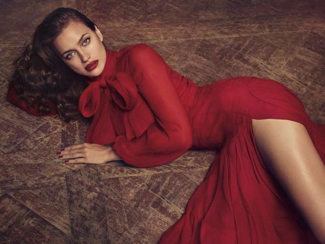 Irina Shayk - Blumarine Fall Winter 2017/18
