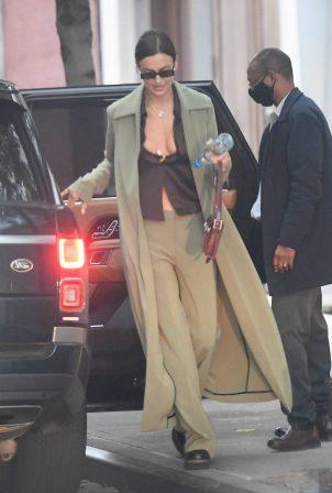 Irina Shayk - Entering Vito Schnabel's Range Rover in New York City