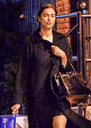 Irina Shayk - Heads back to her apartment in New York
