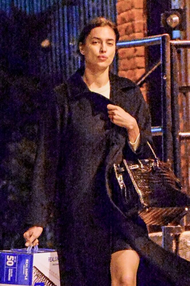 Irina Shayk – Heads back to her apartment in New York