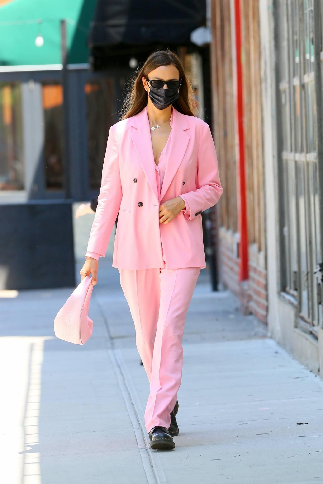 Irina Shayk 2021 : Irina Shayk – In an all pink steps out in New York-02
