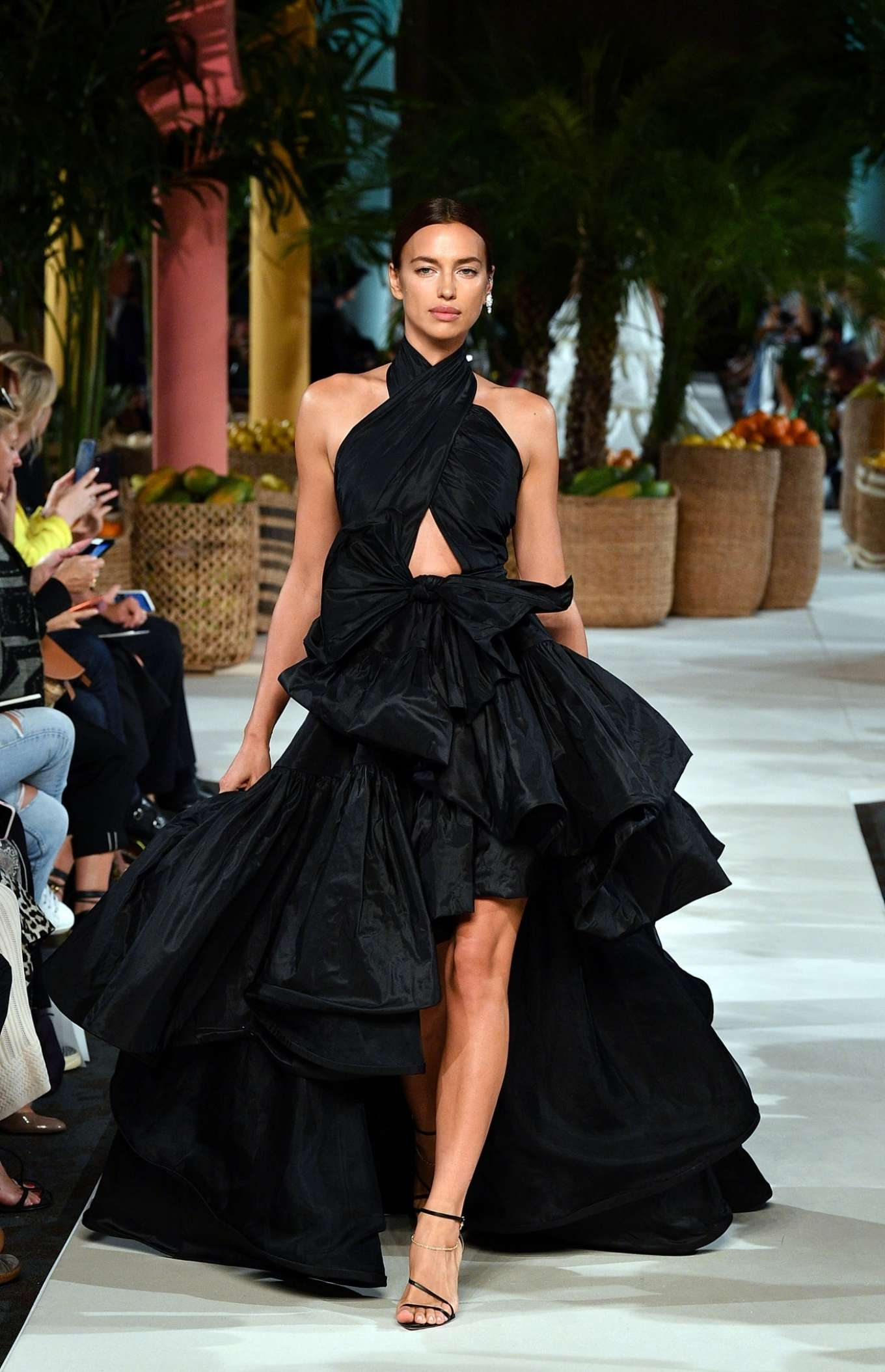 Irina Shayk - Oscar de la Renta Runway Show - New York Fashion Week