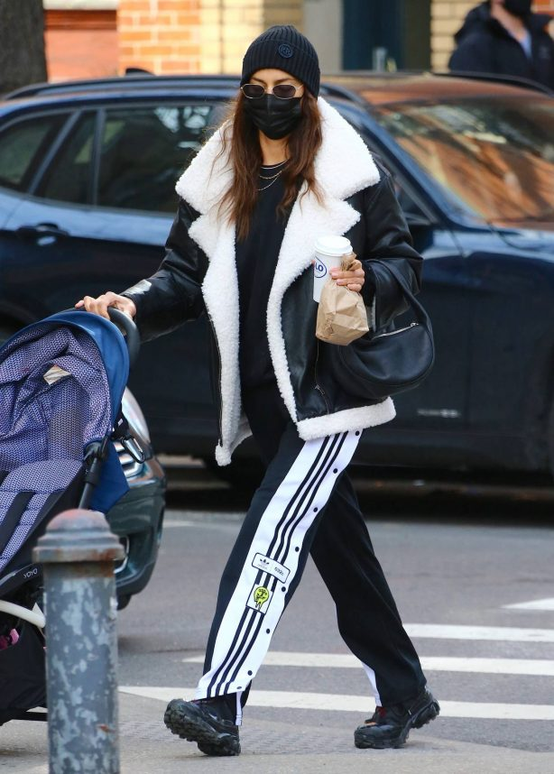 Irina Shayk - Out with her daughter Lea De Seine in Soho