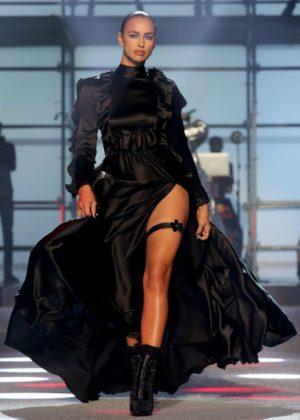 Irina Shayk - Philipp Plein fashion show at New York Fashion Week 2017