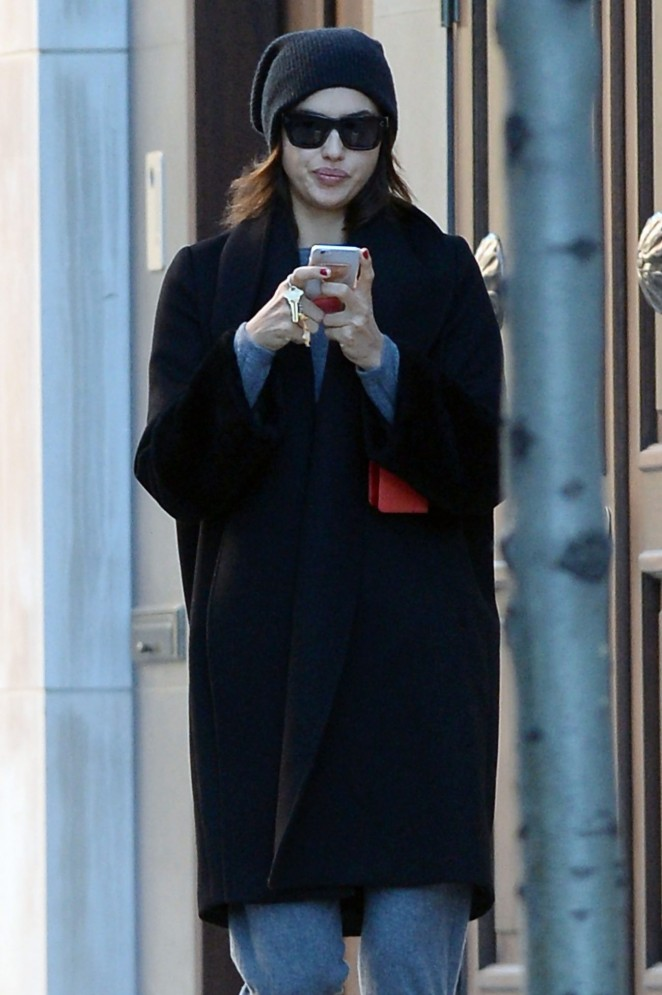 Irina Shayk - Returns To Manhattan Residence in NYC