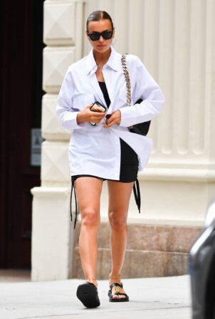 Irina Shayk - Seen after shopping