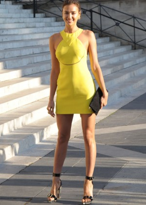 Irina Shayk - Versace Fashion Show in Paris