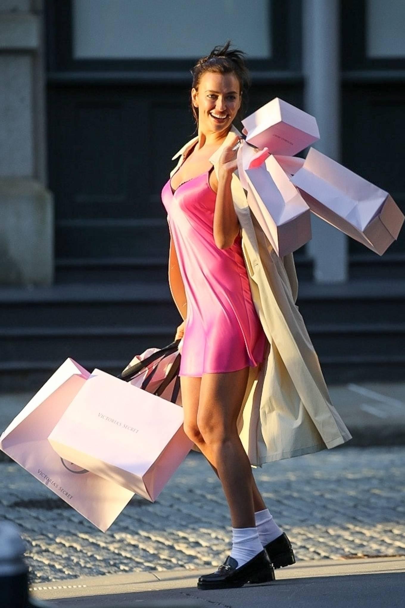 Irina Shayk 2021 : Irina Shayk – Victorias Secret photoshoot in New York-13
