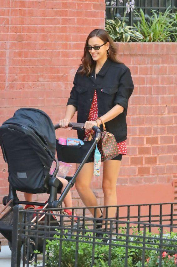 Irina Shayk - With her daughter in New York City