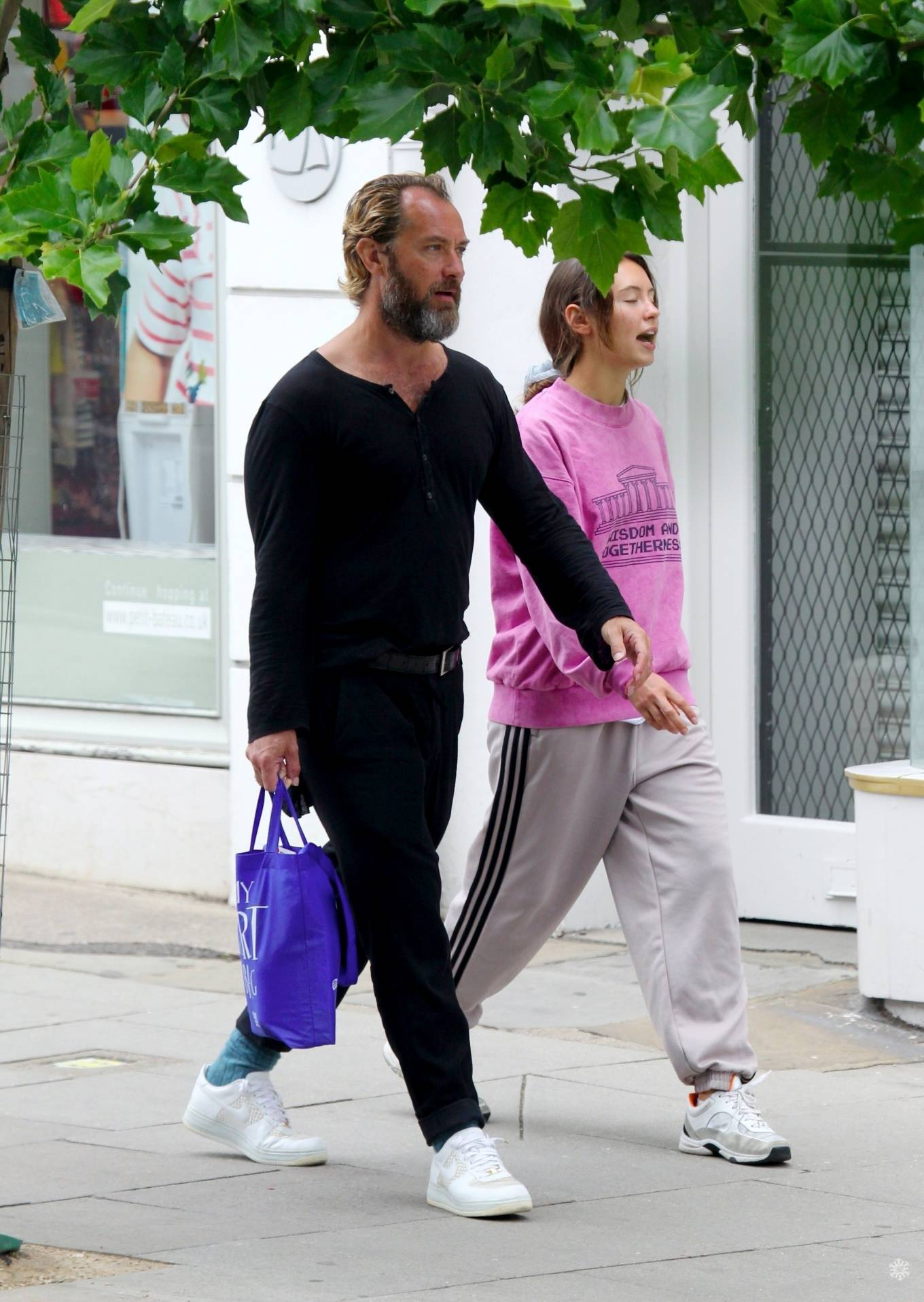 Iris Law 2020 : Iris and Jude Law – Out shopping on the Hampstead High Street in London-04