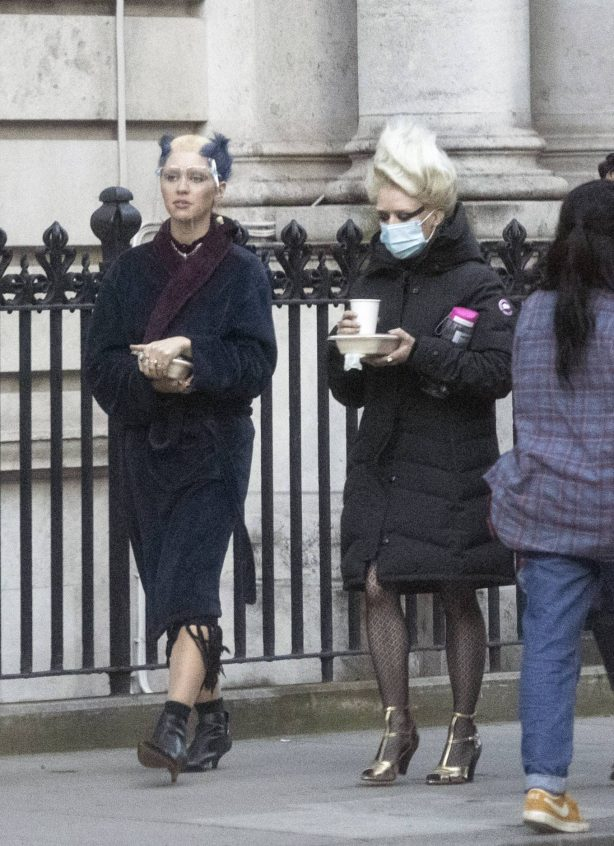 Iris Law and Maisie Williams - on the set of Danny Boyle's Sex Pistols drama in London