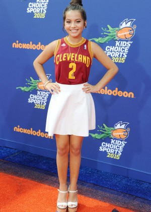 Isabela Moner - 2015 Nickelodeon's Kids' Choice Sports Awards in LA