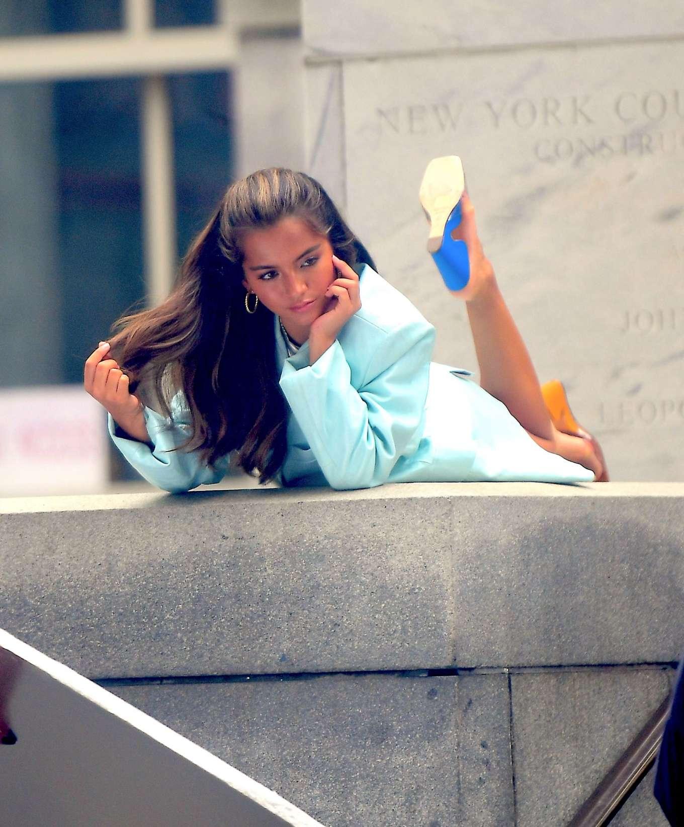 Isabela Moner 2019 : Isabela Moner – Poses for Stylish Photoshoot on the Steps of City Hall-22