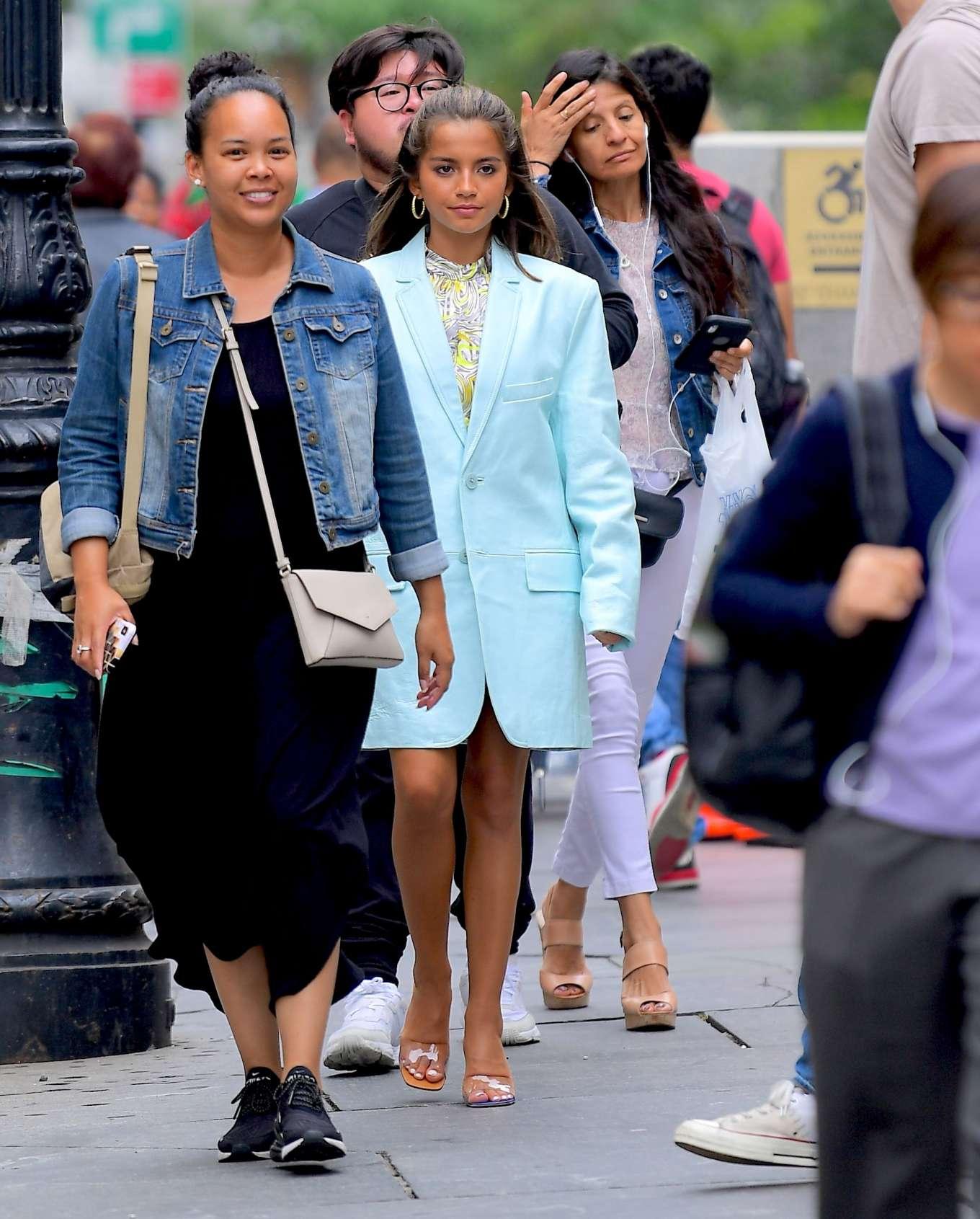 Isabela Moner 2019 : Isabela Moner – Poses for Stylish Photoshoot on the Steps of City Hall-26