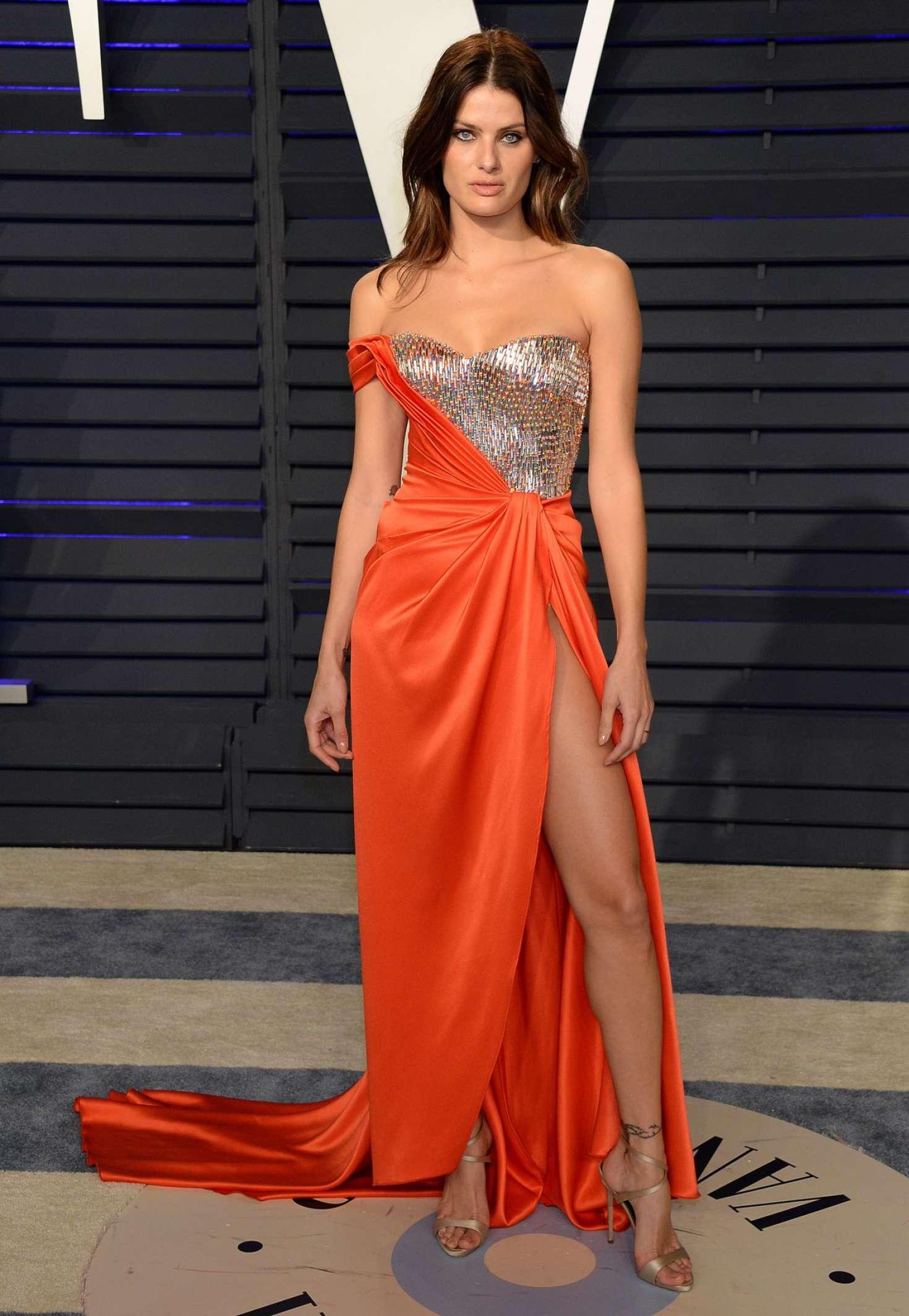 Isabeli Fontana - 2019 Vanity Fair Oscar Party in Beverly Hills