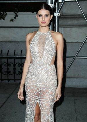 Isabeli Fontana - Arrives at Harper's Bazaar ICONS Party in New York