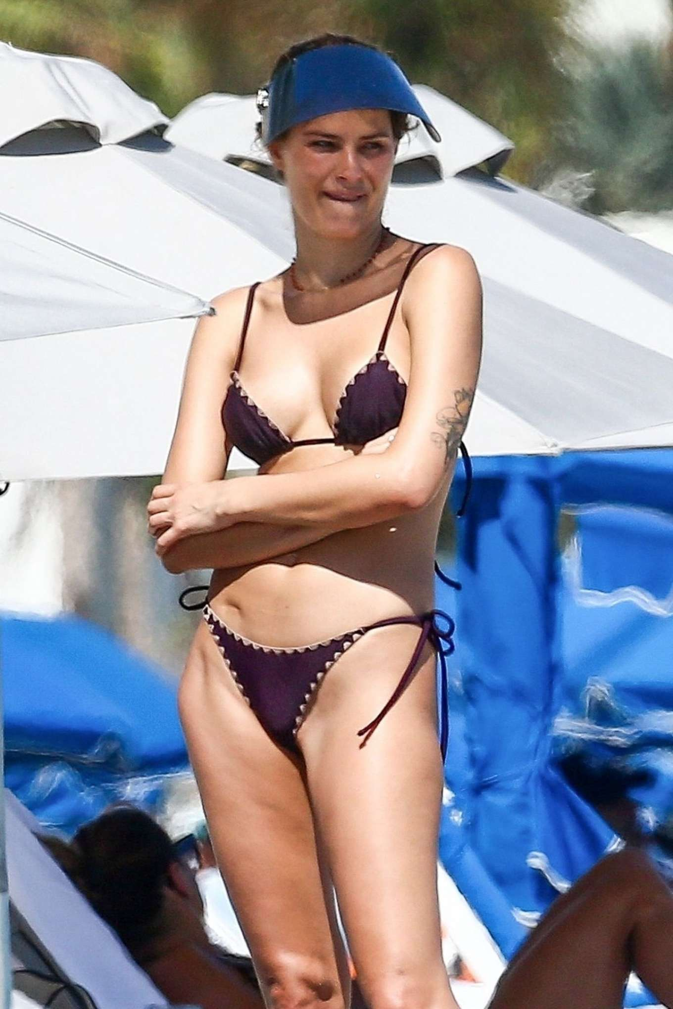 Isabeli Fontana in Black Bikini in South Beach