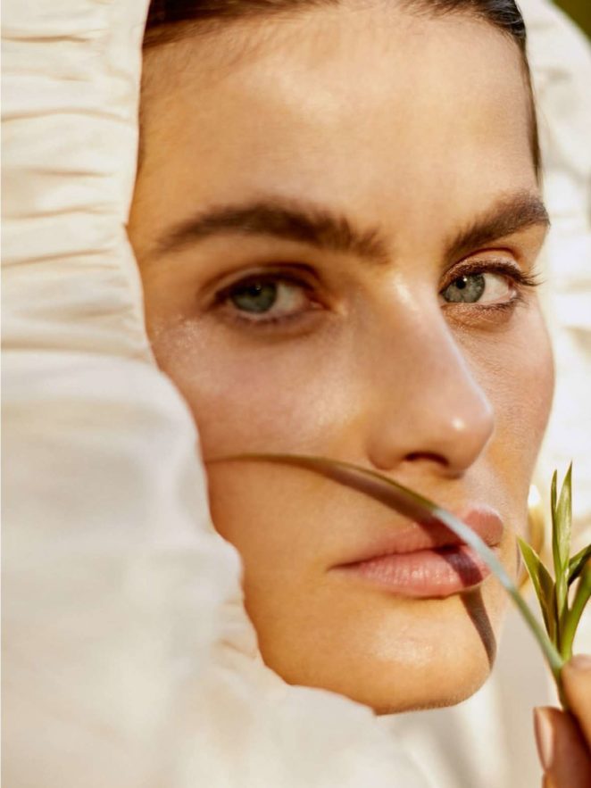 Isabeli Fontana: Vogue Brazil 2017 -15