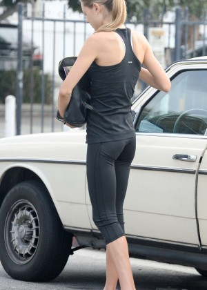 Isabelle Cornish in Tights -04