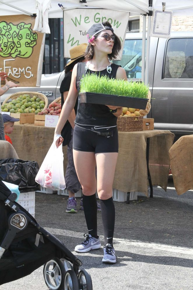 Isabelle Fuhrman in Shorts at Farmer's Market in Studio City