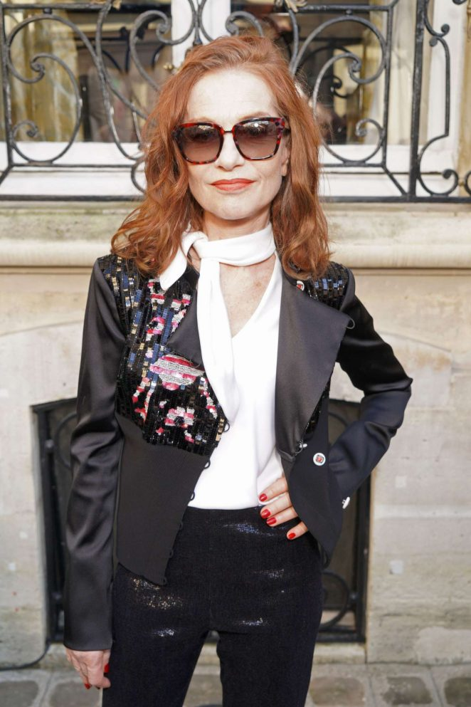 Isabelle Huppert – Giorgio Armani Prive Show in Paris