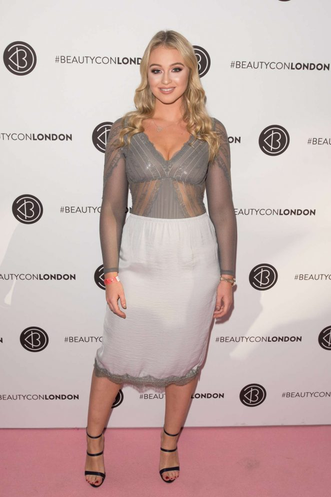 Iskra Lawrence - Beautycon Festival 2016 in London