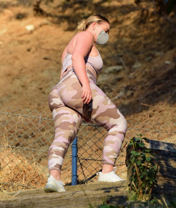 Iskra Lawrence - In camo leggings out for hike in Los Angeles