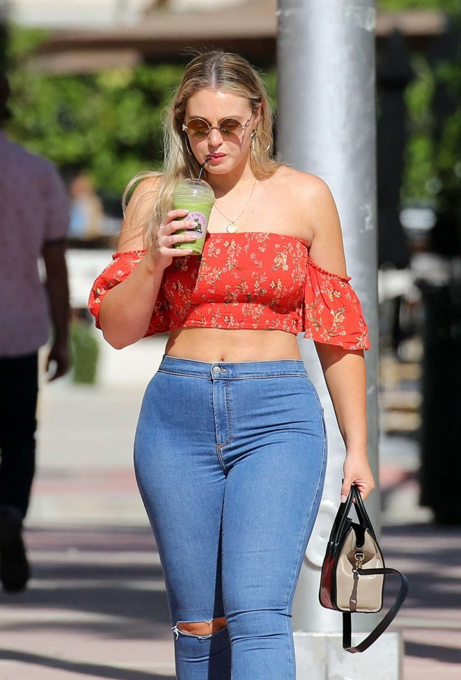 Iskra Lawrence in Jeans - Out in Miami