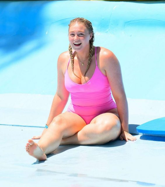 Iskra Lawrence 2019 : Iskra Lawrence in Pink Swimsuit 2019-11