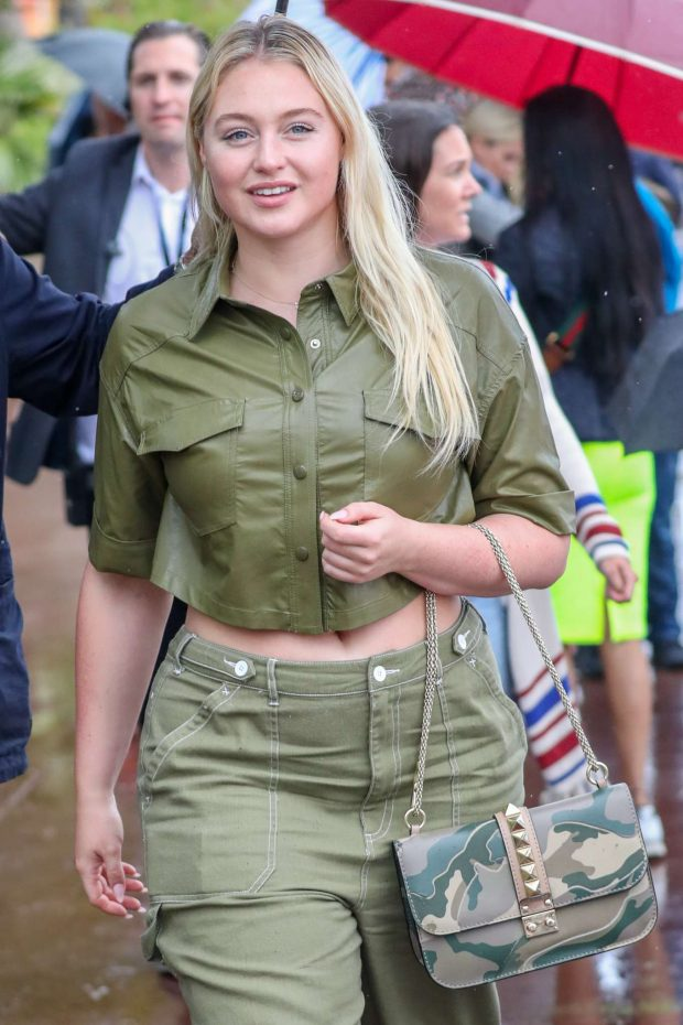 Iskra Lawrence - On the Croisette in Cannes