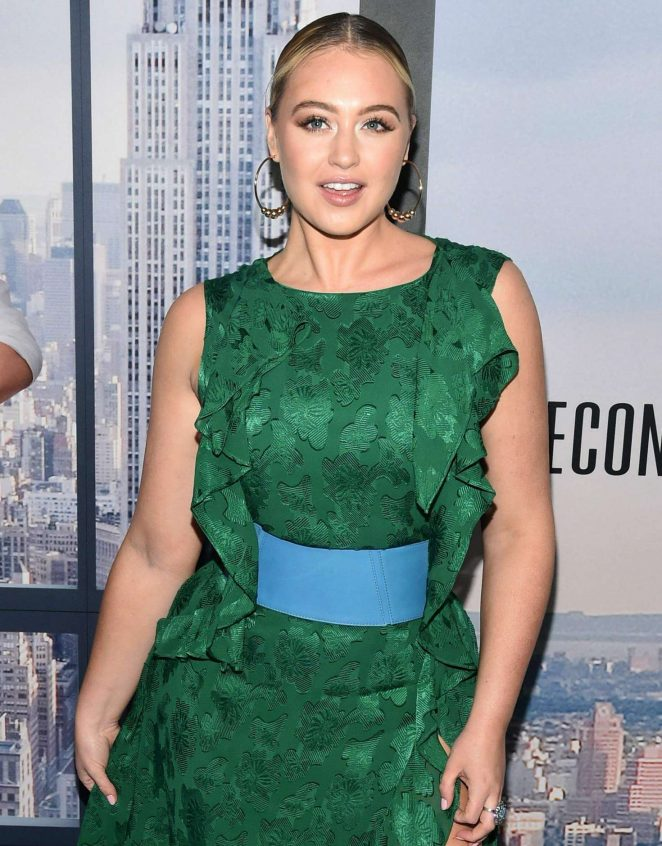 Iskra Lawrence - 'Second Act' Premiere in NYC
