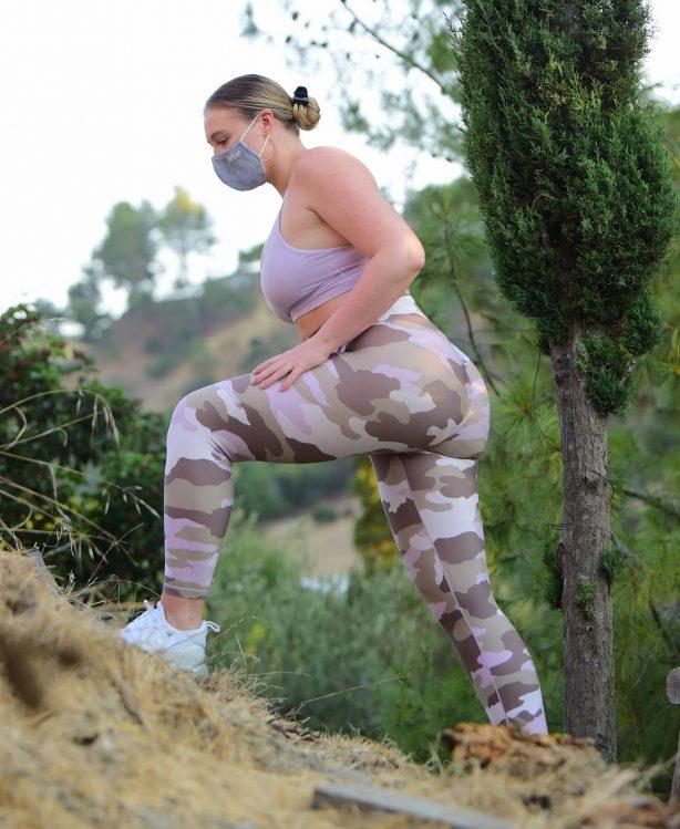 Iskra Lawrence - Took an intense hike in Los Angeles