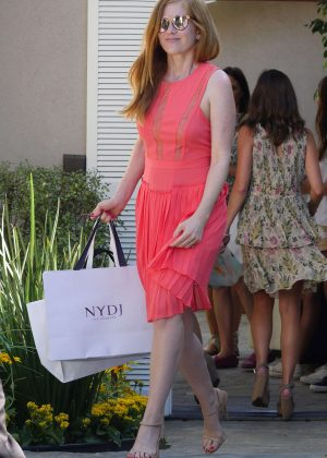 Isla Fisher - Arriving to The in Style Gifting Suite in Brentwood