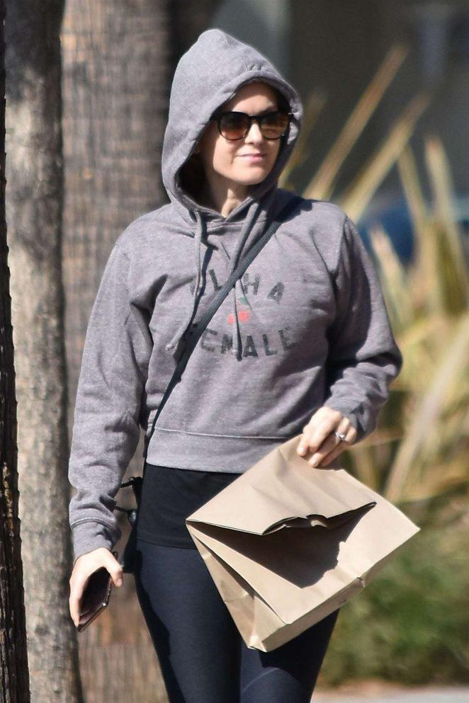 Isla Fisher in Leggings - Out in Studio City