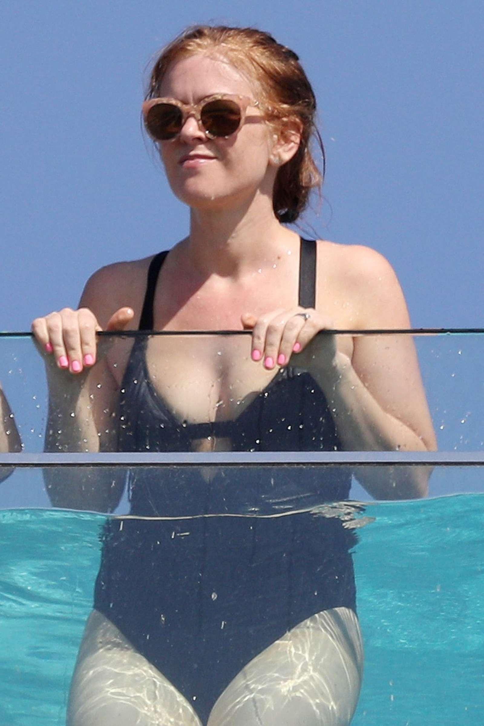 isla fisher bikini