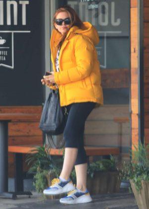 Isla Fisher - Leaving a restaurant in Studio City