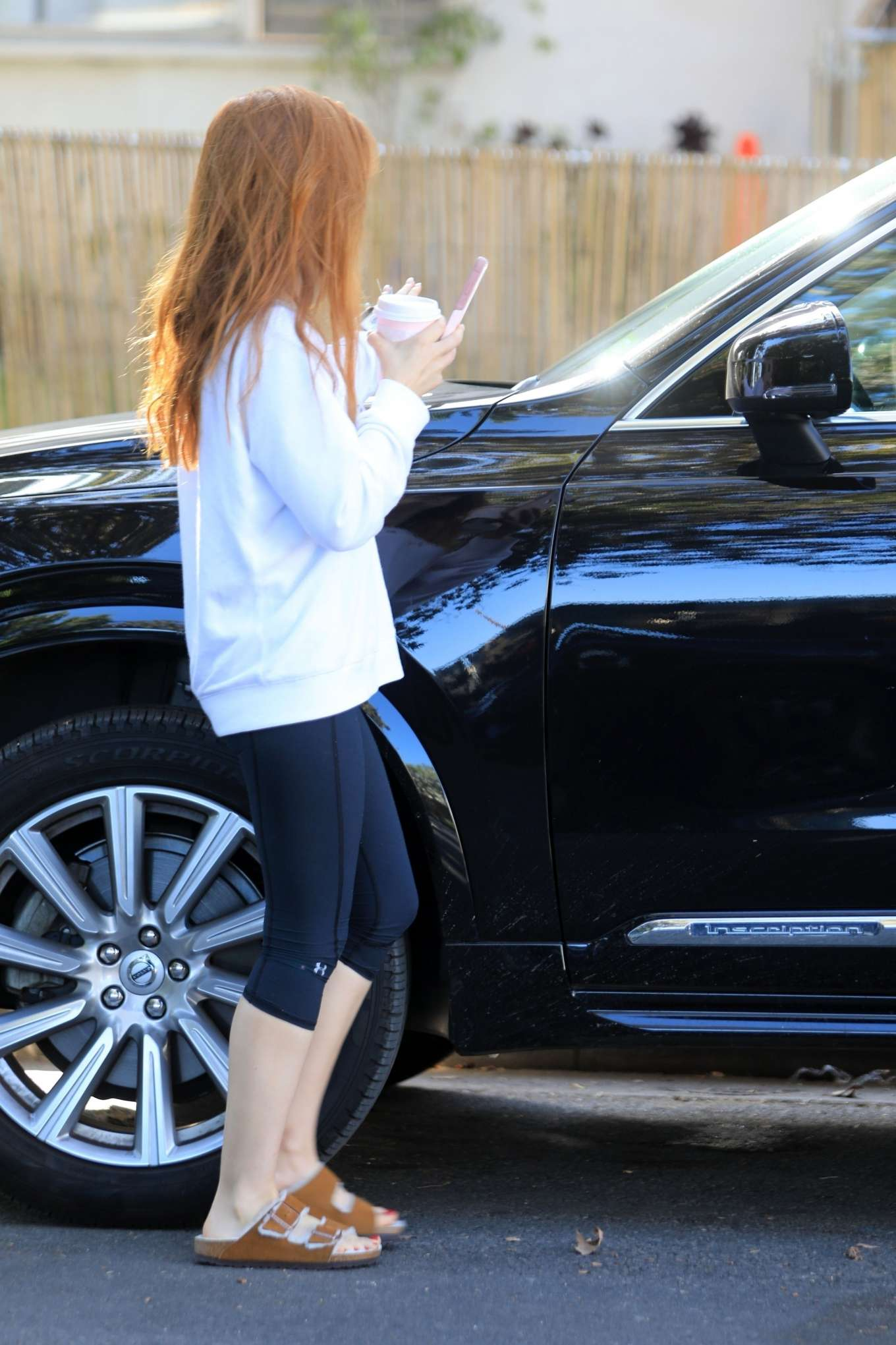 Isla Fisher 2019 : Isla Fisher – Out for a coffee on Melrose Place-03