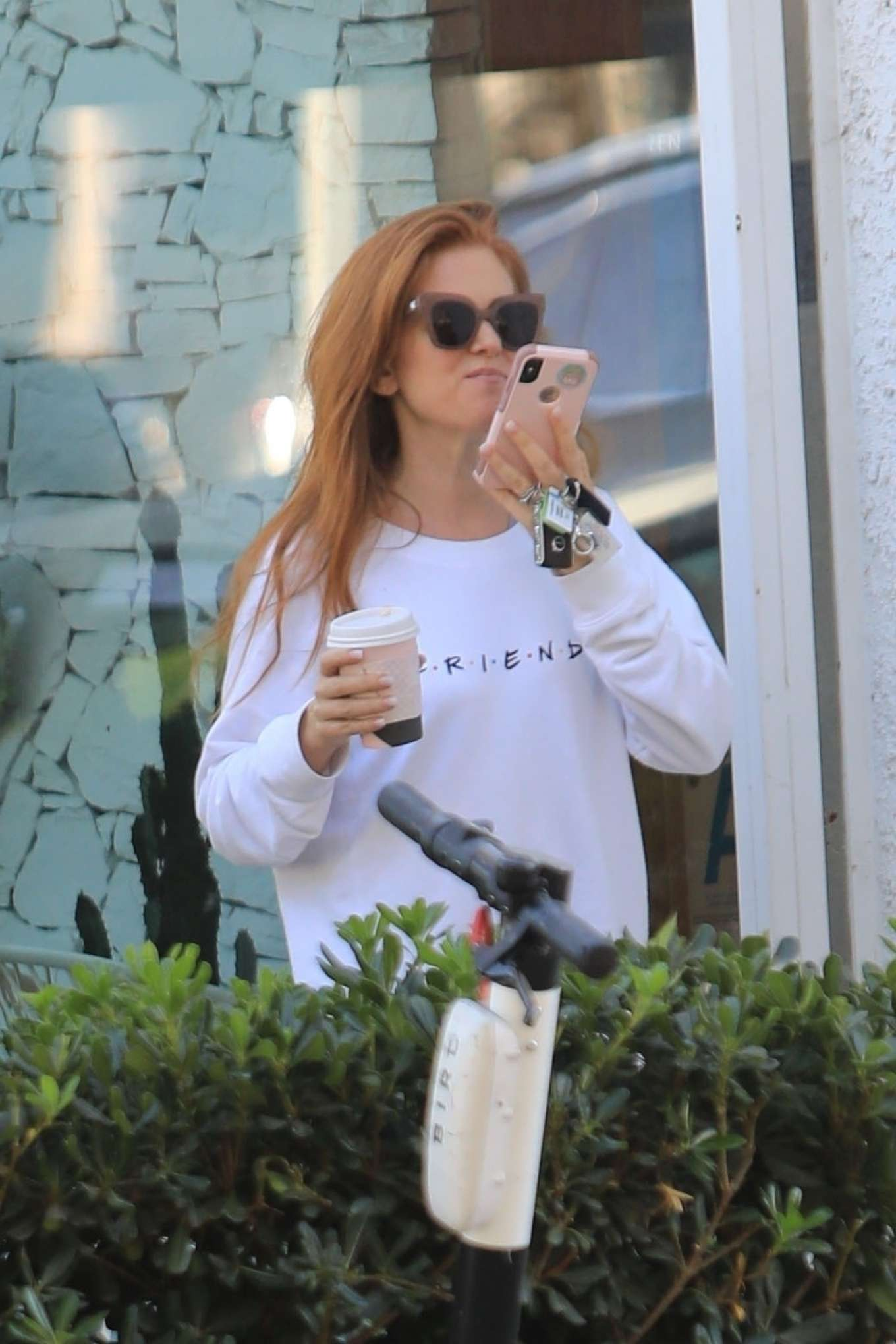 Isla Fisher 2019 : Isla Fisher – Out for a coffee on Melrose Place-11