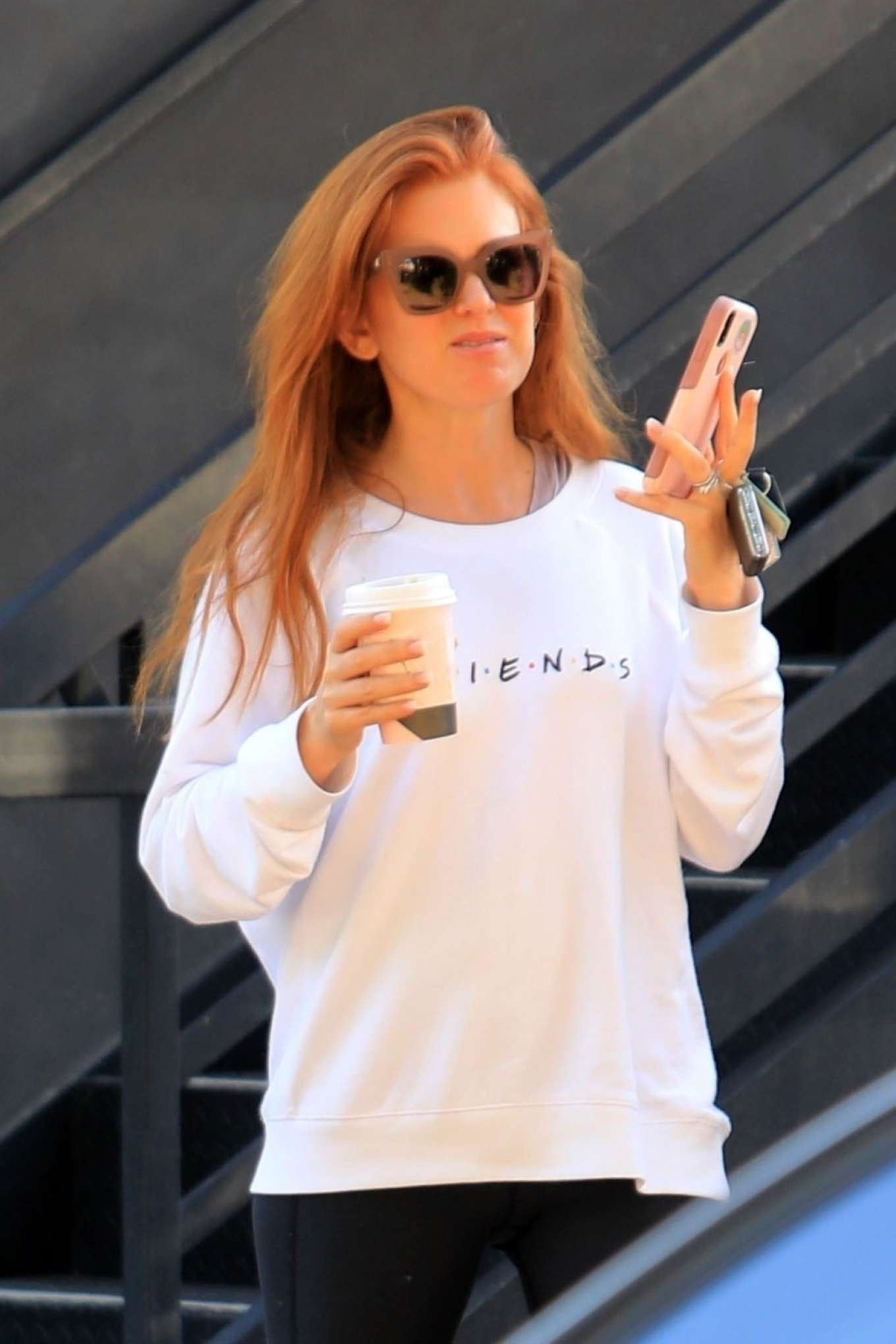 Isla Fisher 2019 : Isla Fisher – Out for a coffee on Melrose Place-14