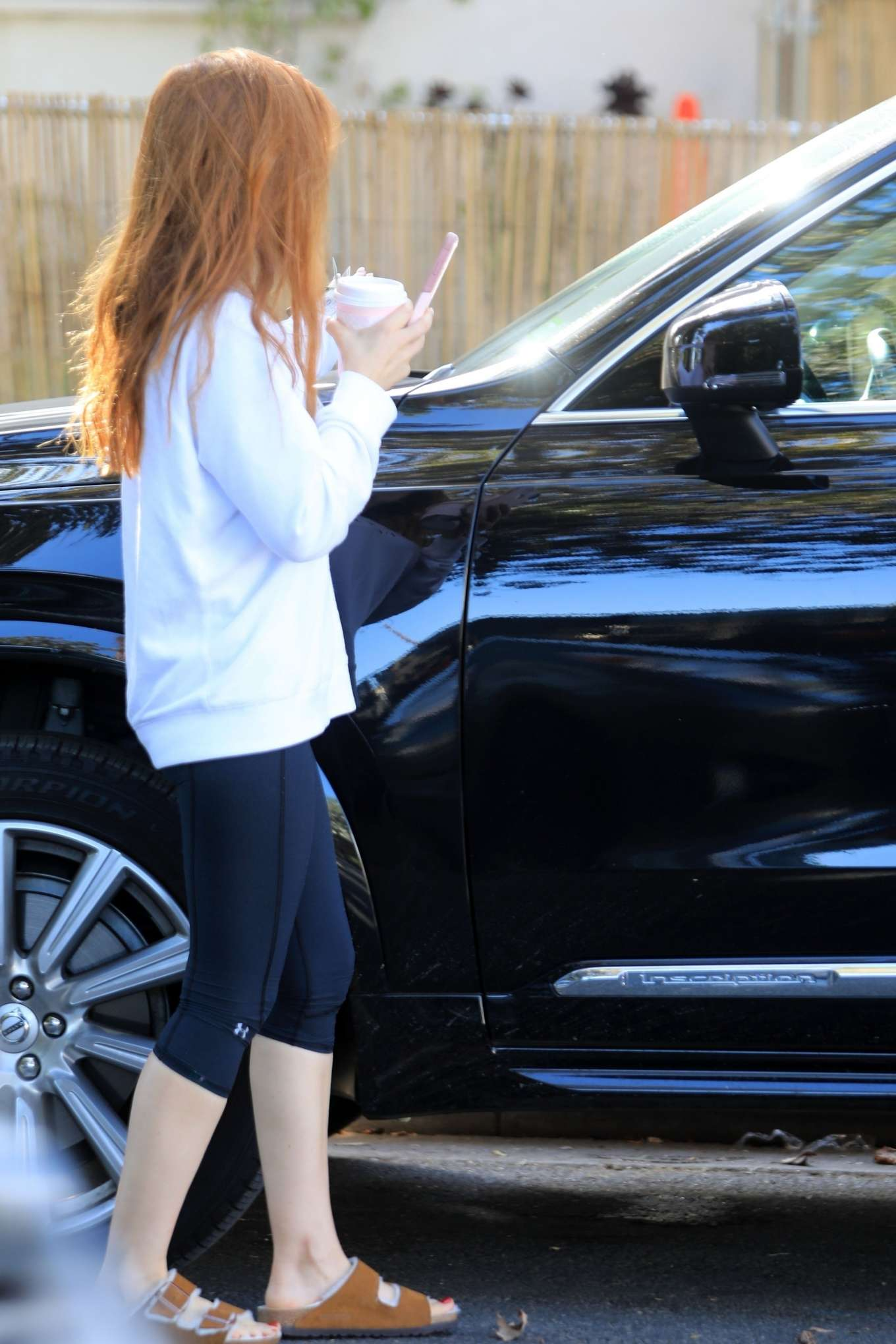 Isla Fisher 2019 : Isla Fisher – Out for a coffee on Melrose Place-15