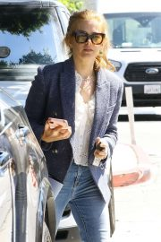 Isla Fisher - Out shopping in West Hollywood