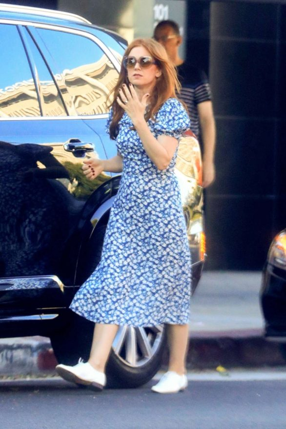 Isla Fisher - Shopping at Kitson Kids in West Hollywood