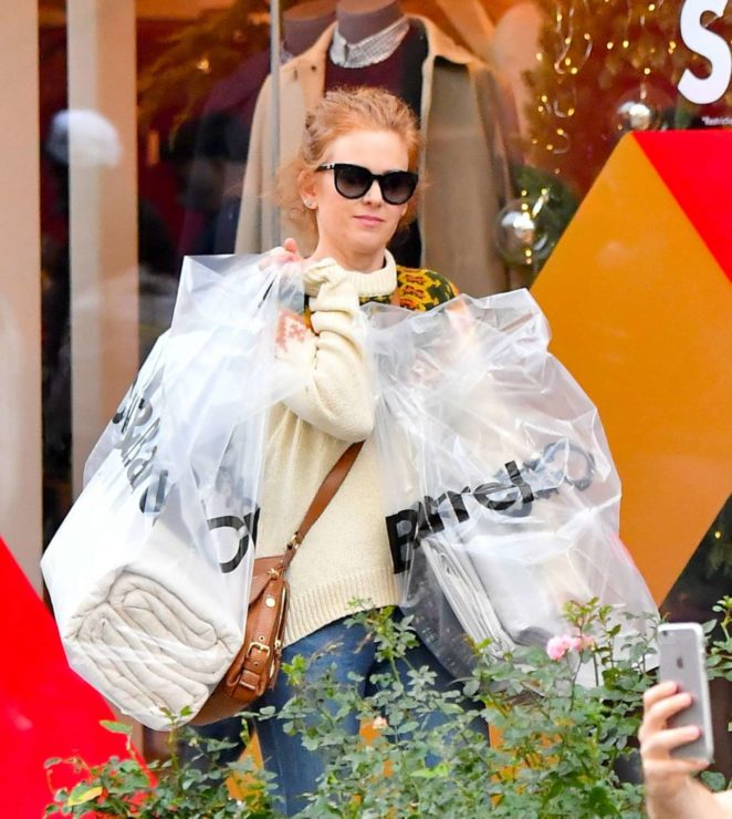 Isla Fisher - Shopping at the Grove in Los Angeles