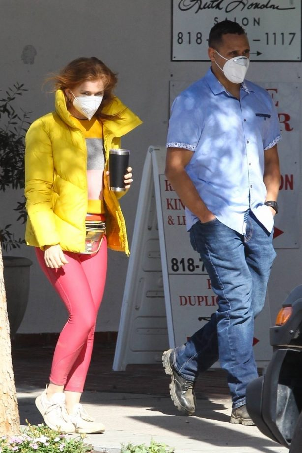 Isla Fisher - Spotted with her bodyguard in Studio City