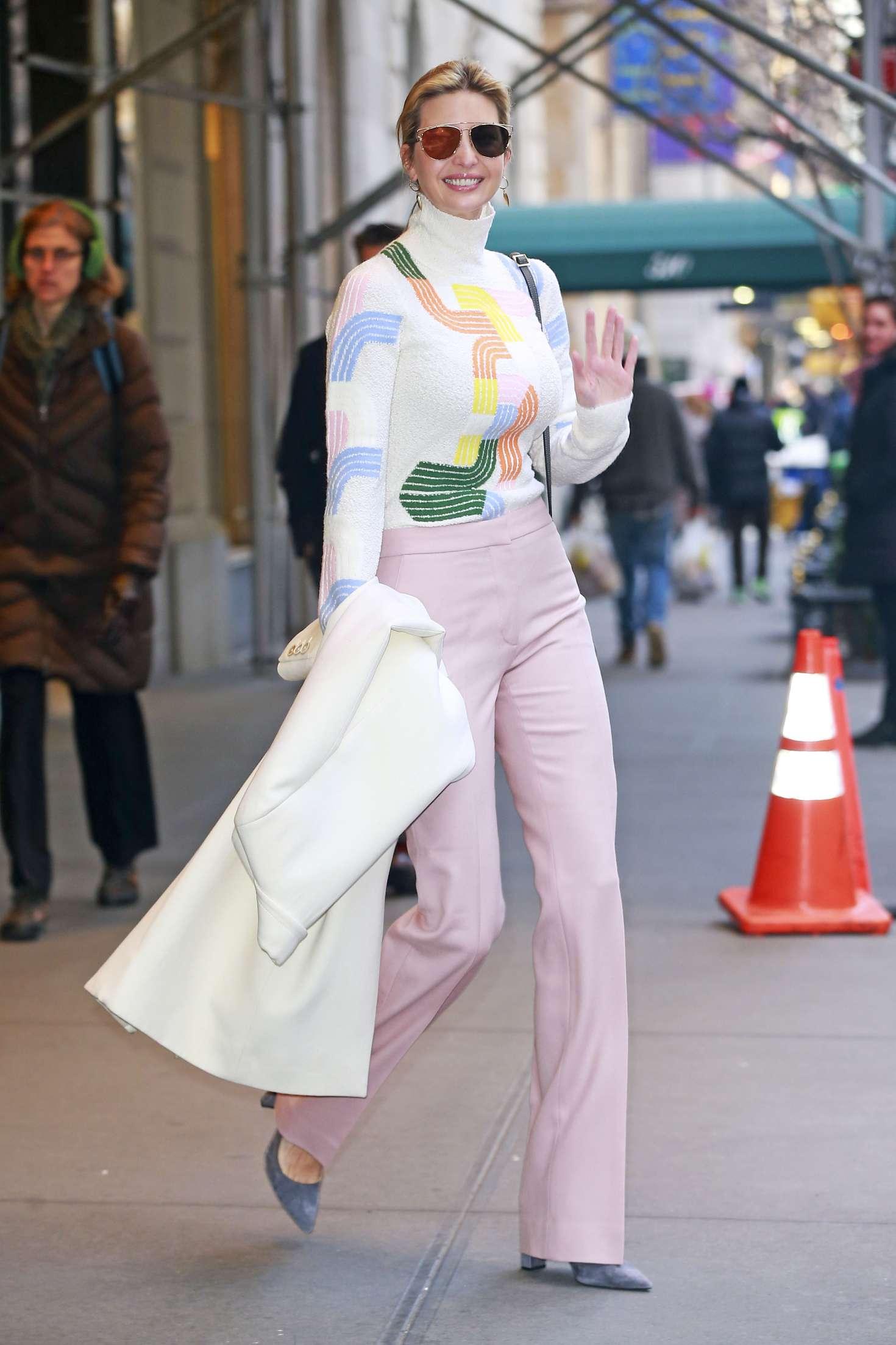 Ivanka Trump 2016 : Ivanka Trump heading to work in New York City -05