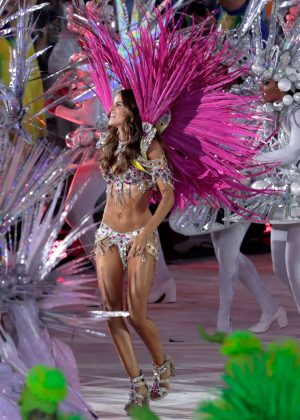 Izabel Goulart - Closing Ceremony for the 2016 Rio Olympics in Brazil