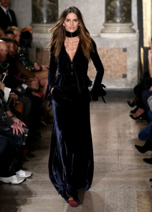 Izabel Goulart - Emilio Pucci Fashion Show 2015 in Milan