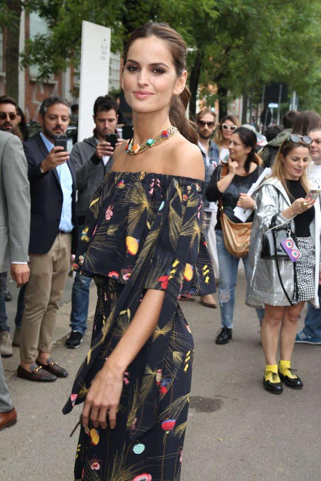 Izabel Goulart – Fendi Show SS 2017 at Milan Fashion Week in Italy